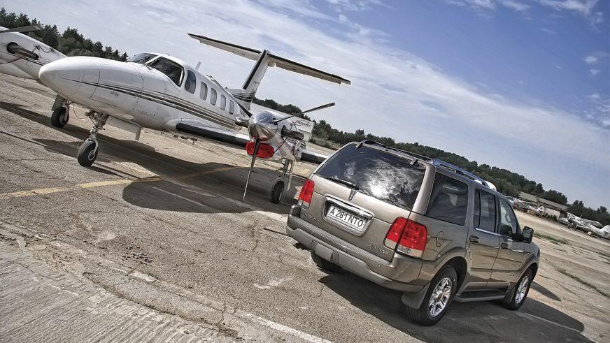 Lincoln Aviator - 2004