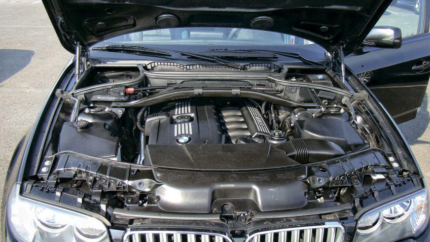 BMW X3 - 2004 - двигатель