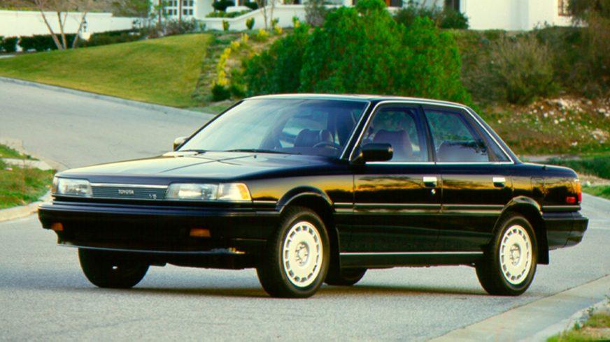 1987 год — Toyota Camry второго поколения
