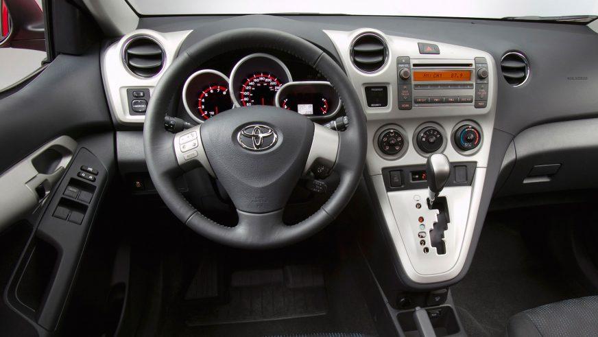 2009 год - Toyota Matrix (E140)