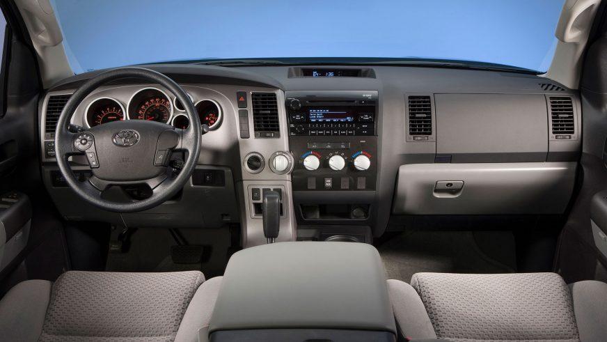 2009 год - Toyota Tundra второго поколения (рестайлинг)