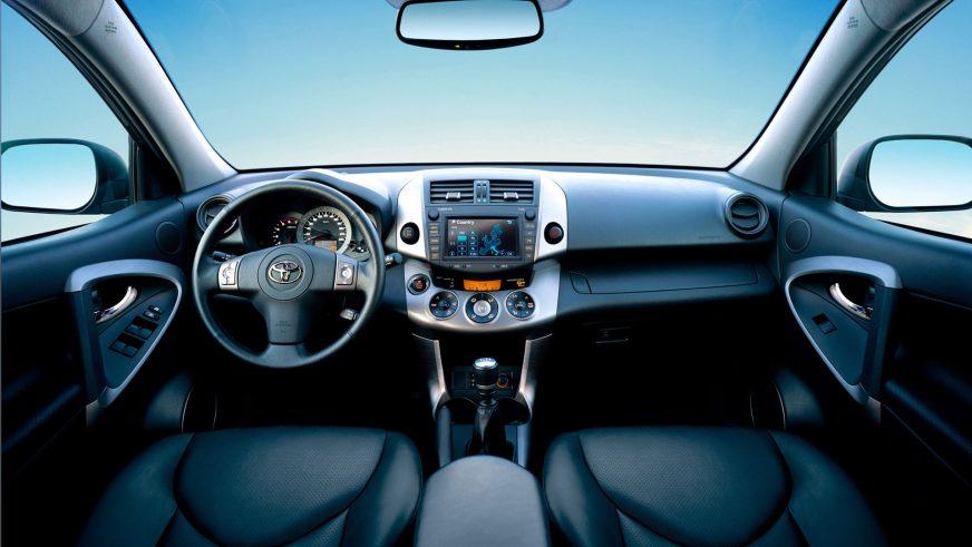 2005 год — третья серия Toyota RAV4
