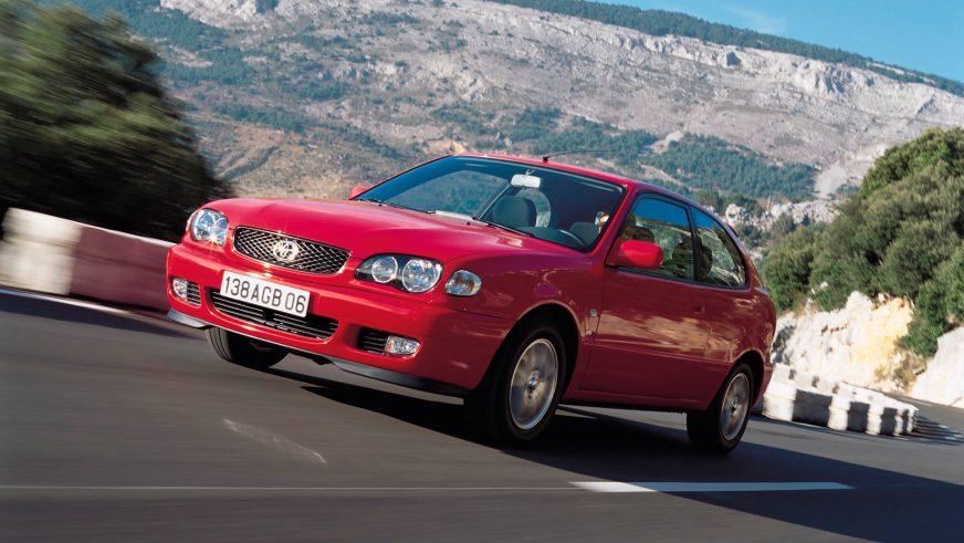 1999 год — Toyota Corolla восьмого поколения для Европы (рестайлинг)
