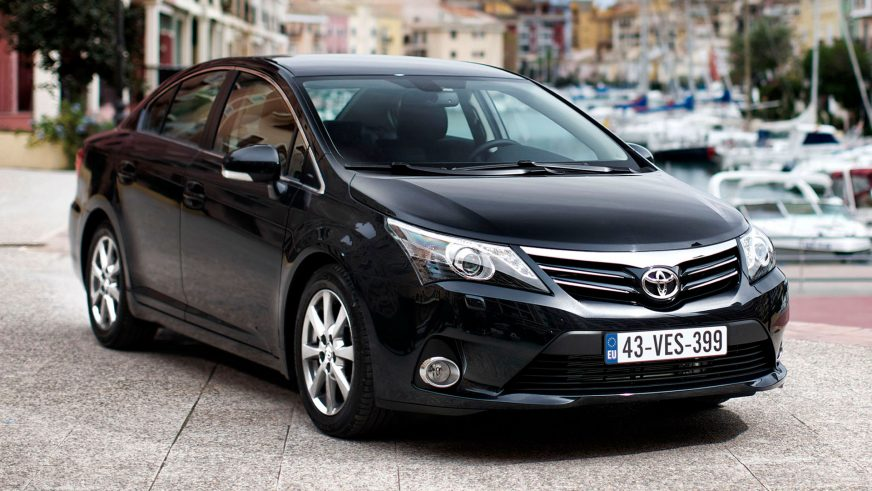 """2011: Toyota Avensis-тің рестайлингтен кейінгі үшінші буыны. Жаңартылған """"Авенсистің"""" Қазақстандағы таныстырылымы 2012 жылы ақпан айында Алматыда өтті"""