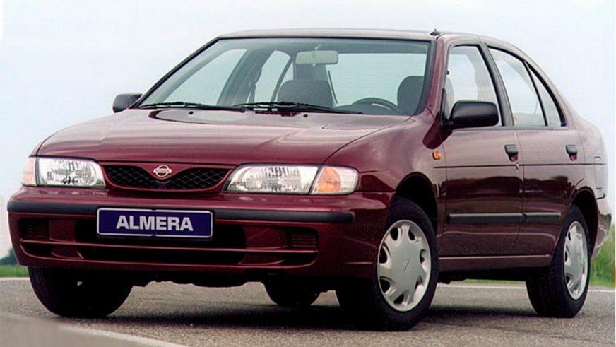 1995 год — Nissan Almera (N15) первого поколения