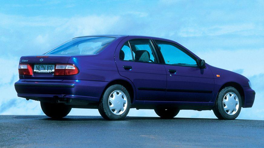 1998 год — Nissan Almera (N15) первого поколения