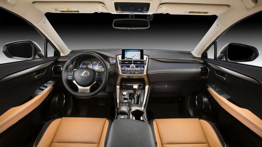 2014 год — Lexus NX 300h
