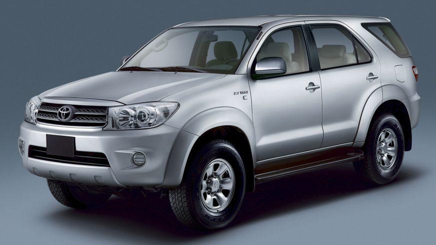 2008 год — Toyota Fortuner первого поколения (рестайлинг)