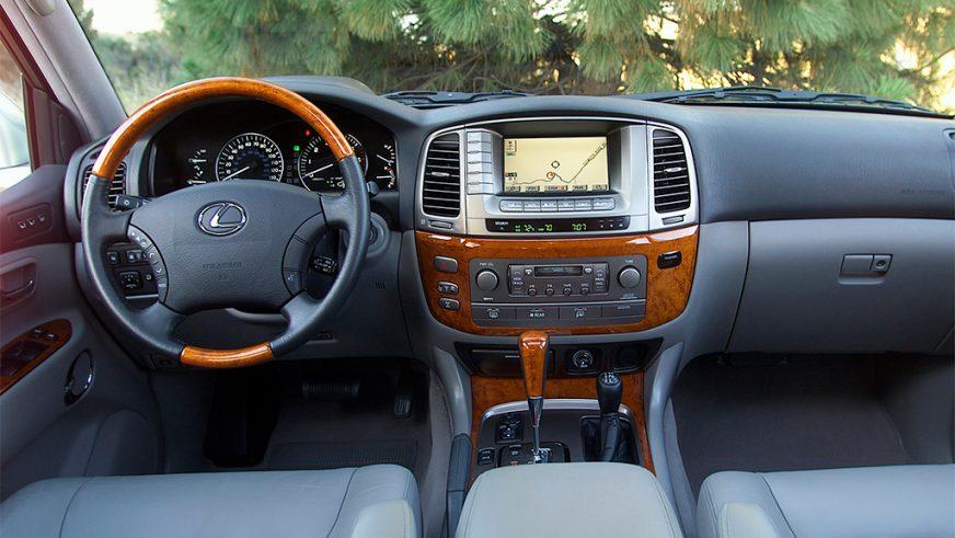 2005 год — Lexus LX 470 (UZJ100) второго поколения (рестайлинг)
