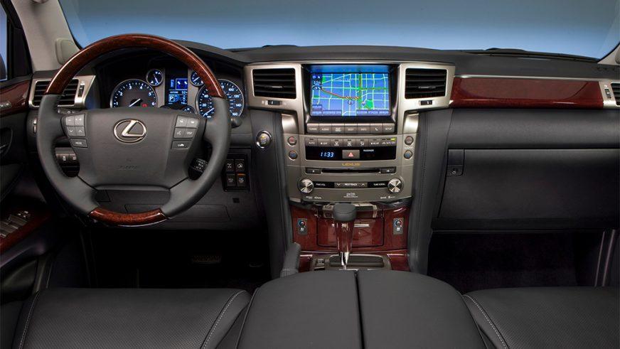 2012 год — Lexus LX 570 (URJ200) третьего поколения (рестайлинг)