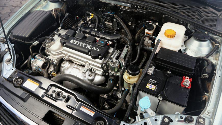 Daewoo Gentra - 2015 - двигатель