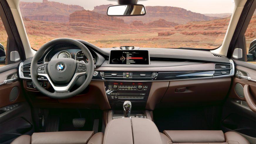 2013 год — BMW X5 (F15) третьего поколения