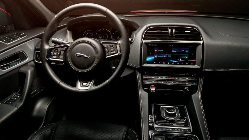 Jaguar F-Pace - 2016