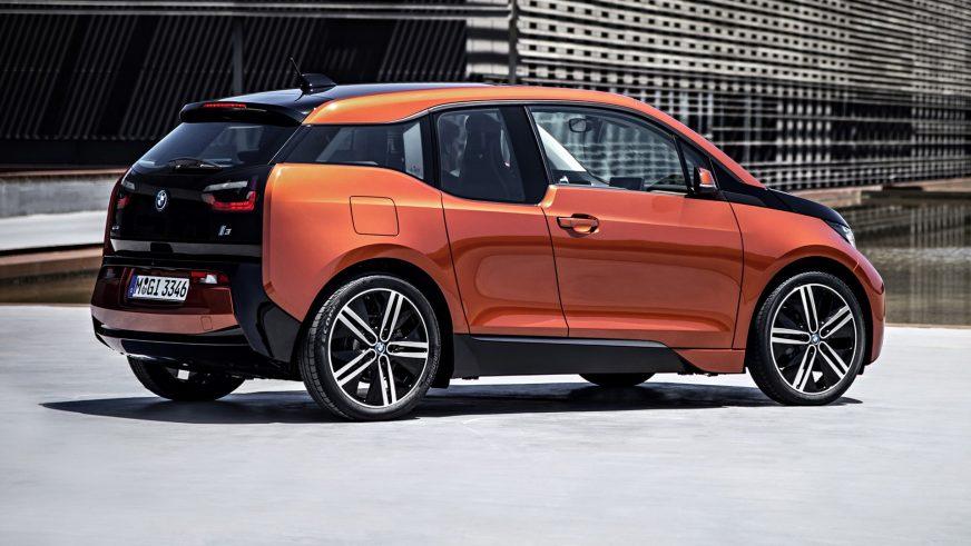2013 год — BMW i3
