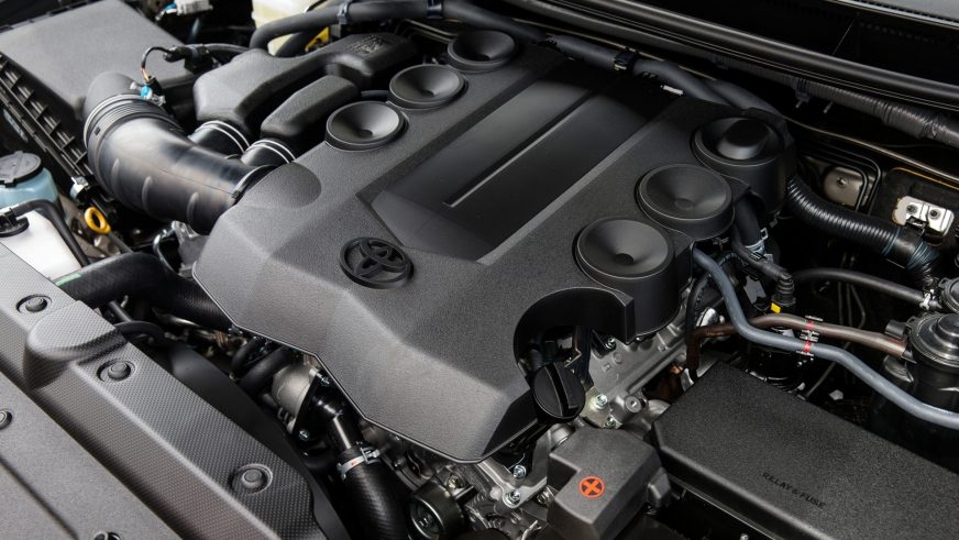 Toyota Land Cruiser Prado 150 - 2013 - двигатель
