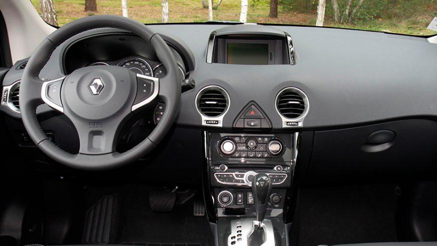 2011 год — Renault Koleos первого поколения (рестайлинг)