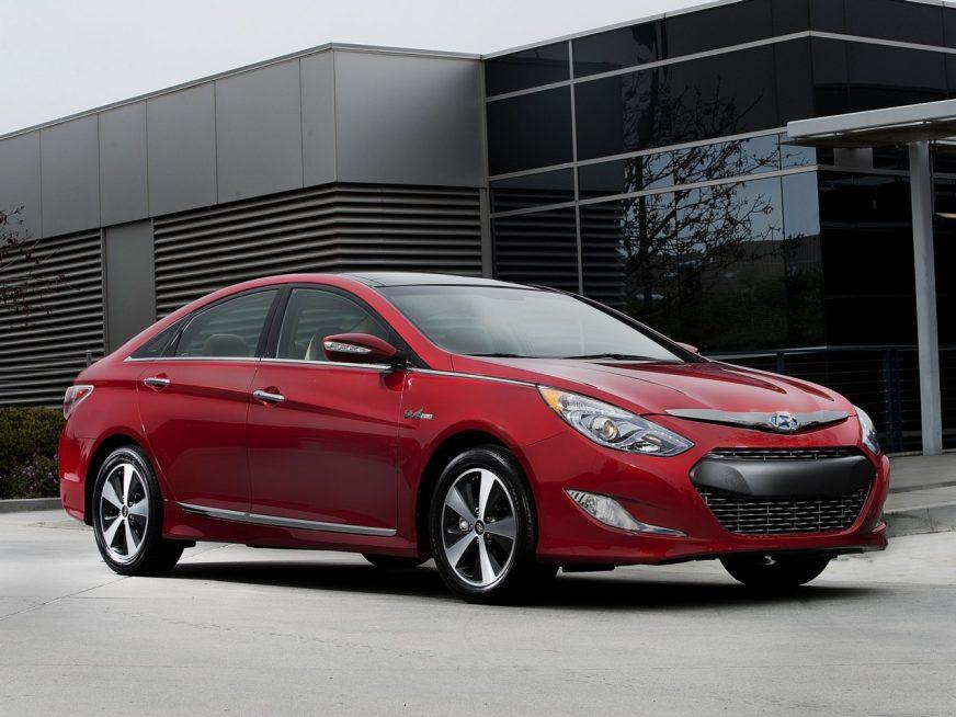 2010 год — Hyundai Sonata шестого поколения (гибрид)