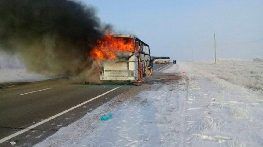 52 человека заживо сгорели в автобусе