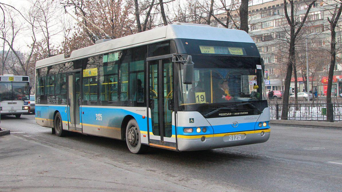 Когда камеры на автобусах начнут следить за водителями в Алматы