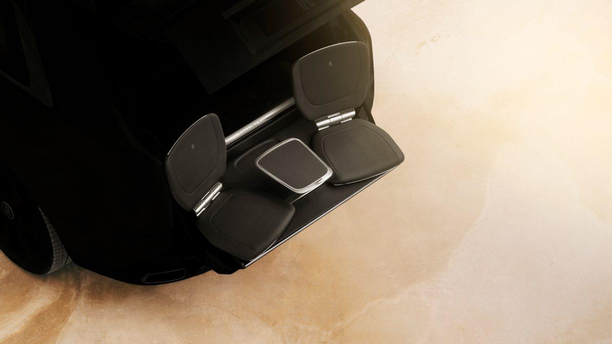 Будущий внедорожник Rolls-Royce получит выдвижные задние кресла