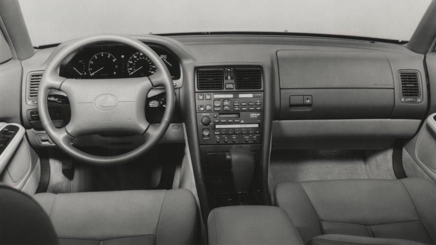 1992 год. Lexus LS 1-го поколения после рестайлинга (XF10)