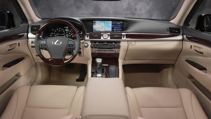 2012 год. Lexus LS 4-го поколения после 2-го рестайлинга (XF40)