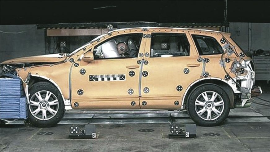 Volkswagen Touareg - 2012 - краш-тест
