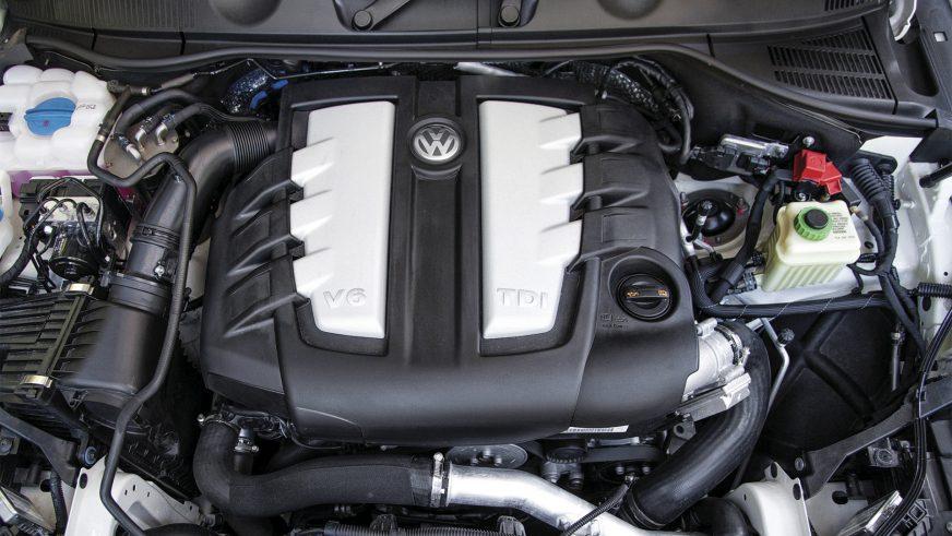 Volkswagen Touareg - 2012 - двигатель