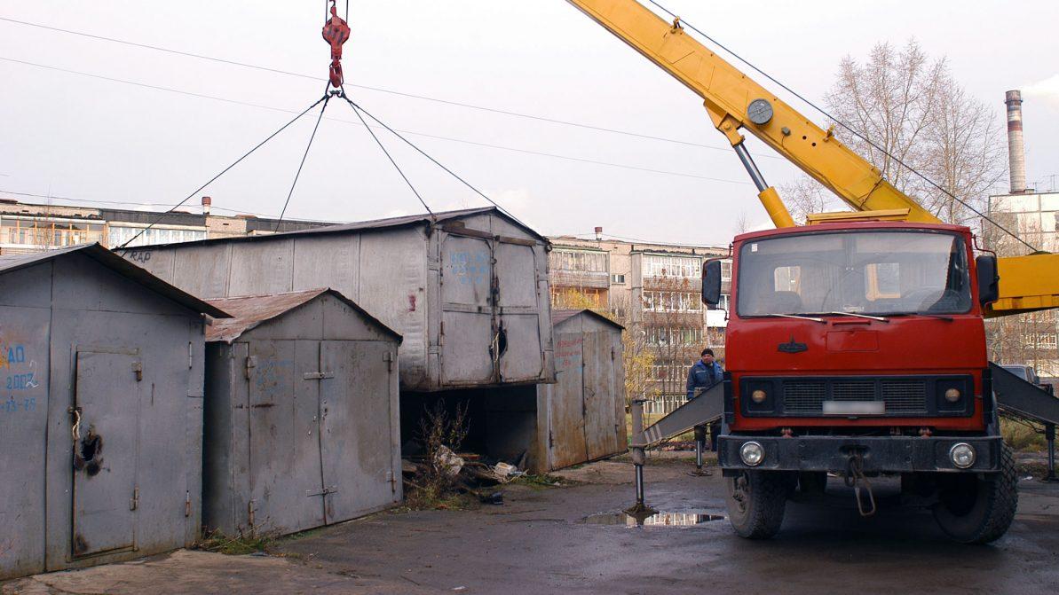 В Астане снесут металлические гаражи
