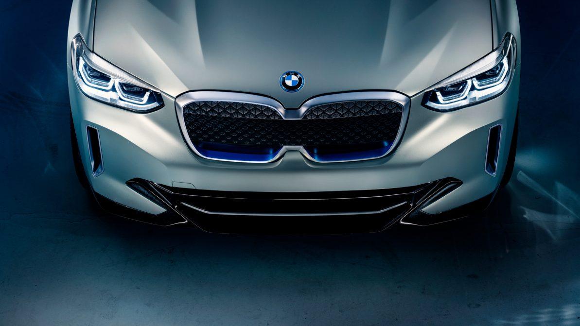 BMW создала электрический X3