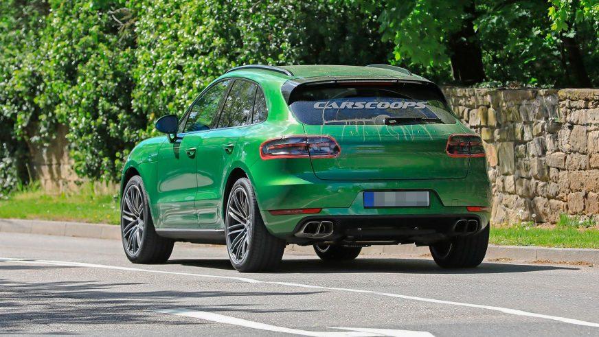 В Сети появились первые фото рестайлинга Porsche Macan