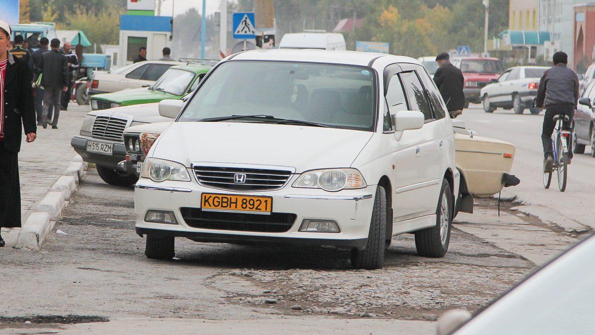 Кыргызские машины можно временно ввозить на один год
