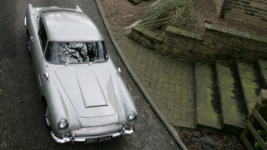 Aston Martin Джеймса Бонда пустят с молотка