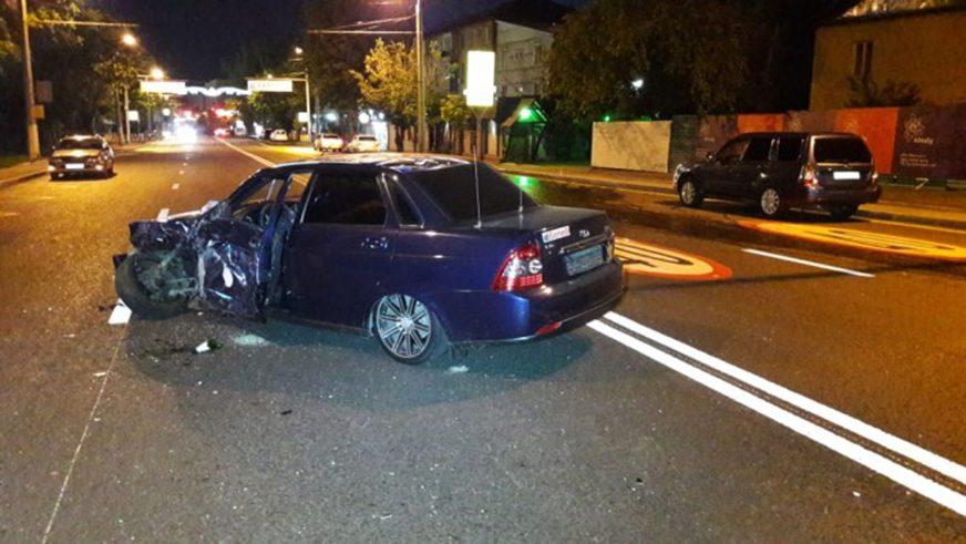 Nissan GT-R разбили в уличной гонке в Алматы