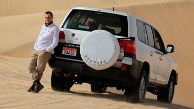 Замучили в песках Toyota Land Cruiser 200