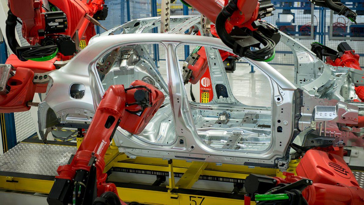 Из-за Роналду остановилось производство Fiat и Jeep в Италии