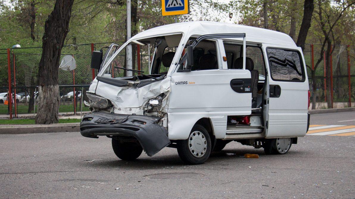 В Казахстане вдвое снизили штрафы за ДТП с пострадавшими