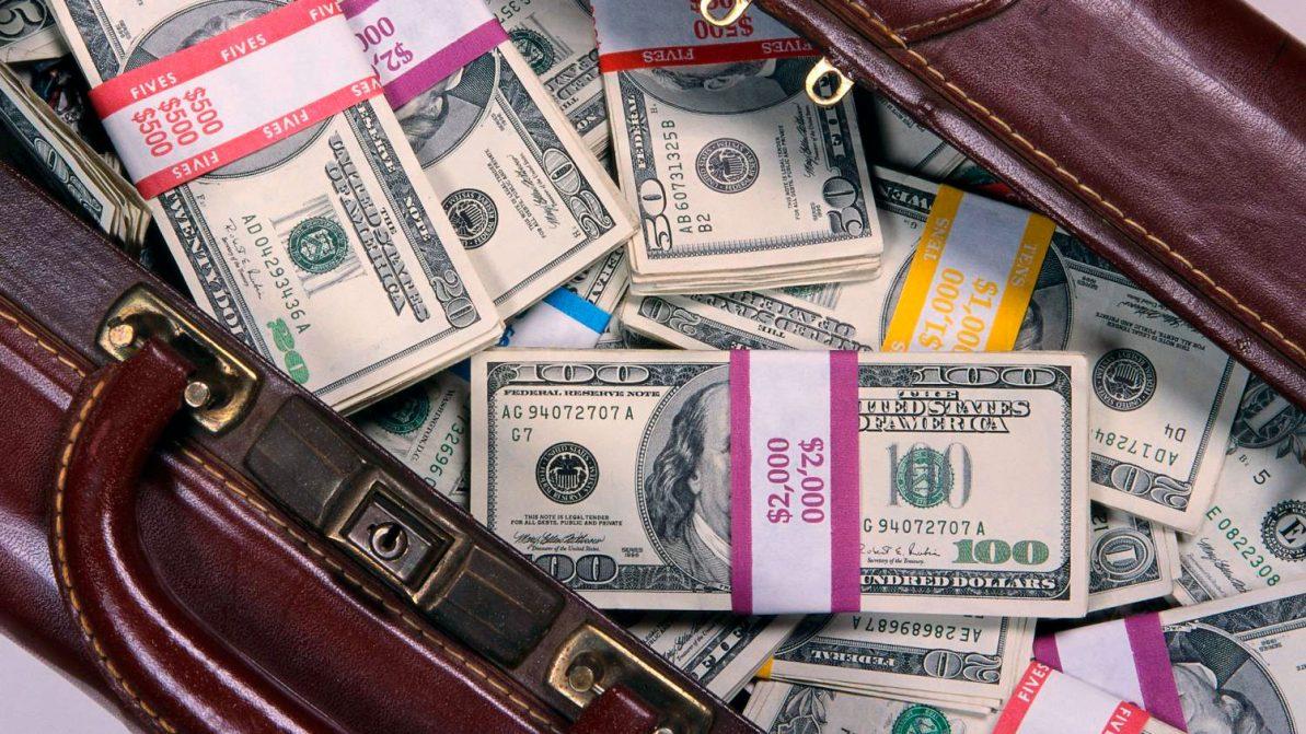 В Москве зафиксировали рекордную для ГИБДД взятку – $173 тысячи