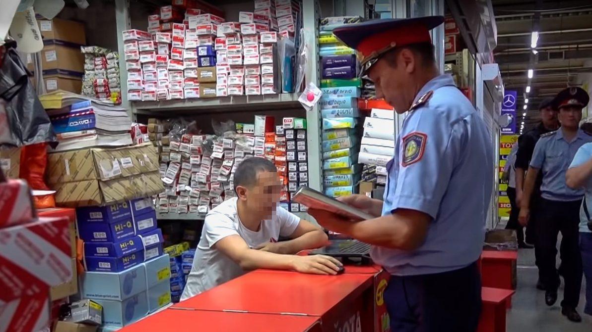 На Car City в Алматы задержали пятерых уголовных преступников