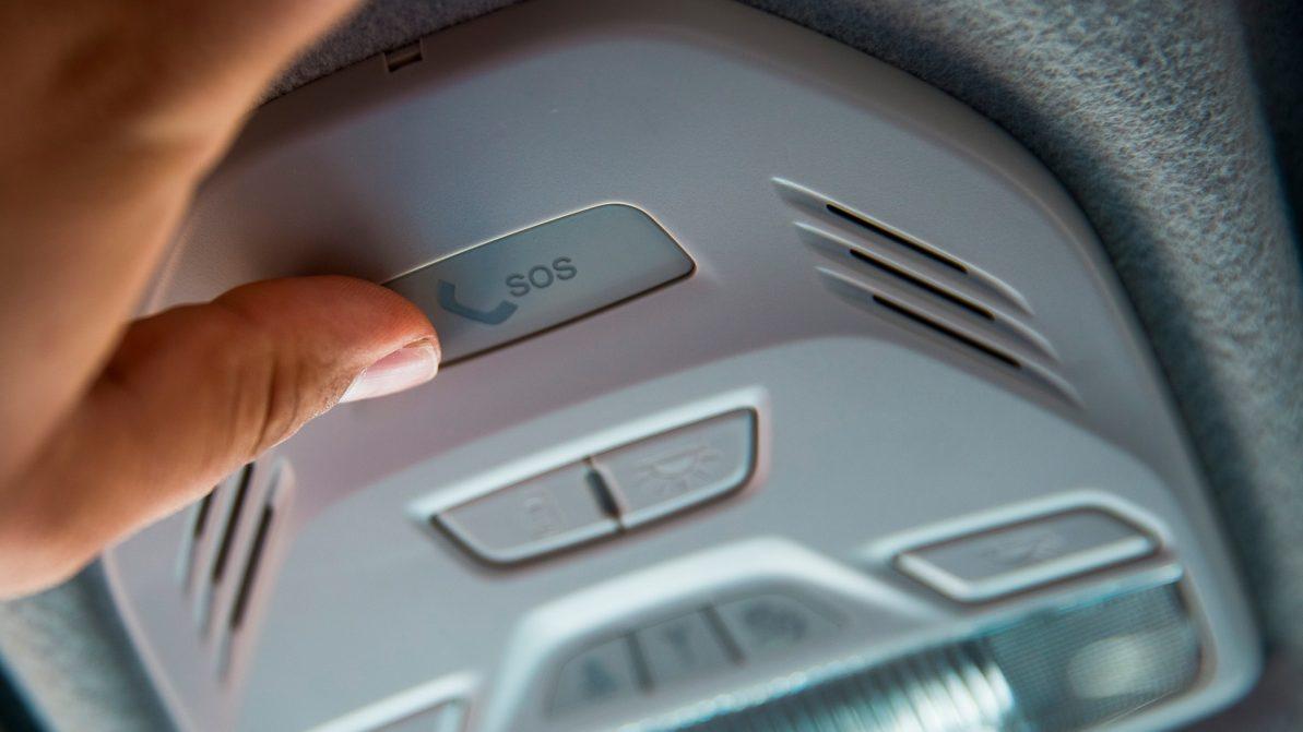 Авто без кнопки ЭВАК разрешили ввозить в Казахстан