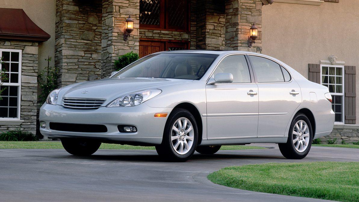 Toyota выплатит 242 млн долларов за старый Lexus ES300