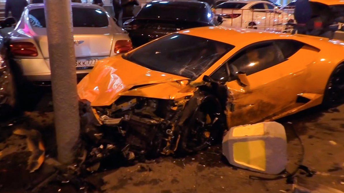 Lamborghini, Bentley и Maybach пострадали в крупном ДТП в Москве