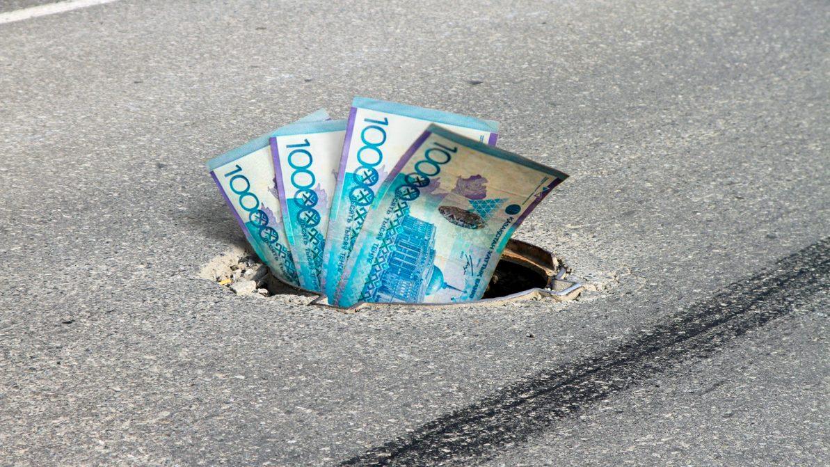 1.6 млн тенге отсудил акимат у коммунальщиков за открытый люк