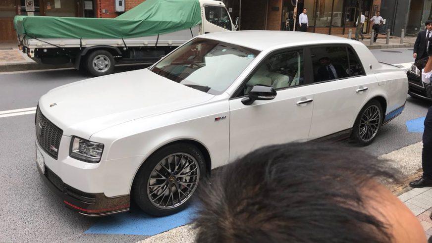 Toyota превратила Century в аналог S-Class от AMG