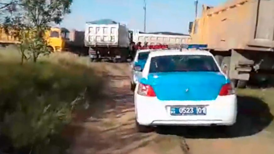 Погоню за 28 грузовиками устроили полицейские на трассе