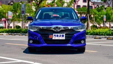 Honda выпустила крупный седан с литровым мотором
