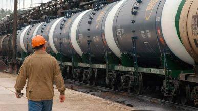 Теперь Казахстан может экспортировать топливо