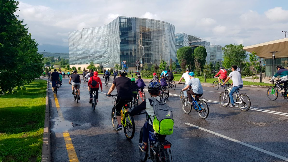 Алматинских водителей «порадуют» ещё одним велопробегом
