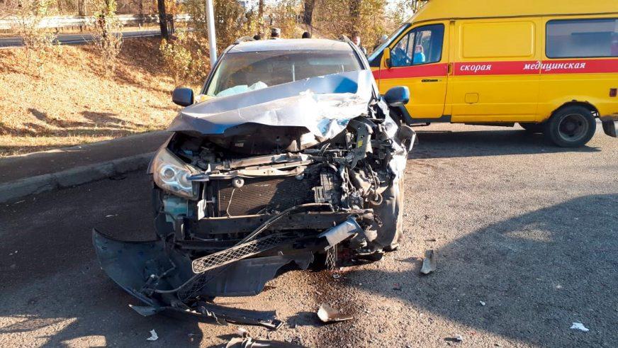 Выезд на встречку в Алматы обернулся смертельной аварией