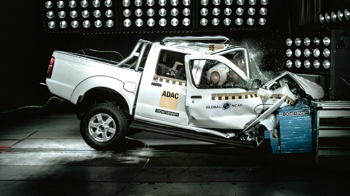 Пикап Nissan NP300 провалил краш-тест